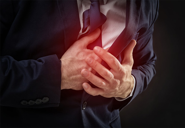 What Are The Symptoms of Chest Pain